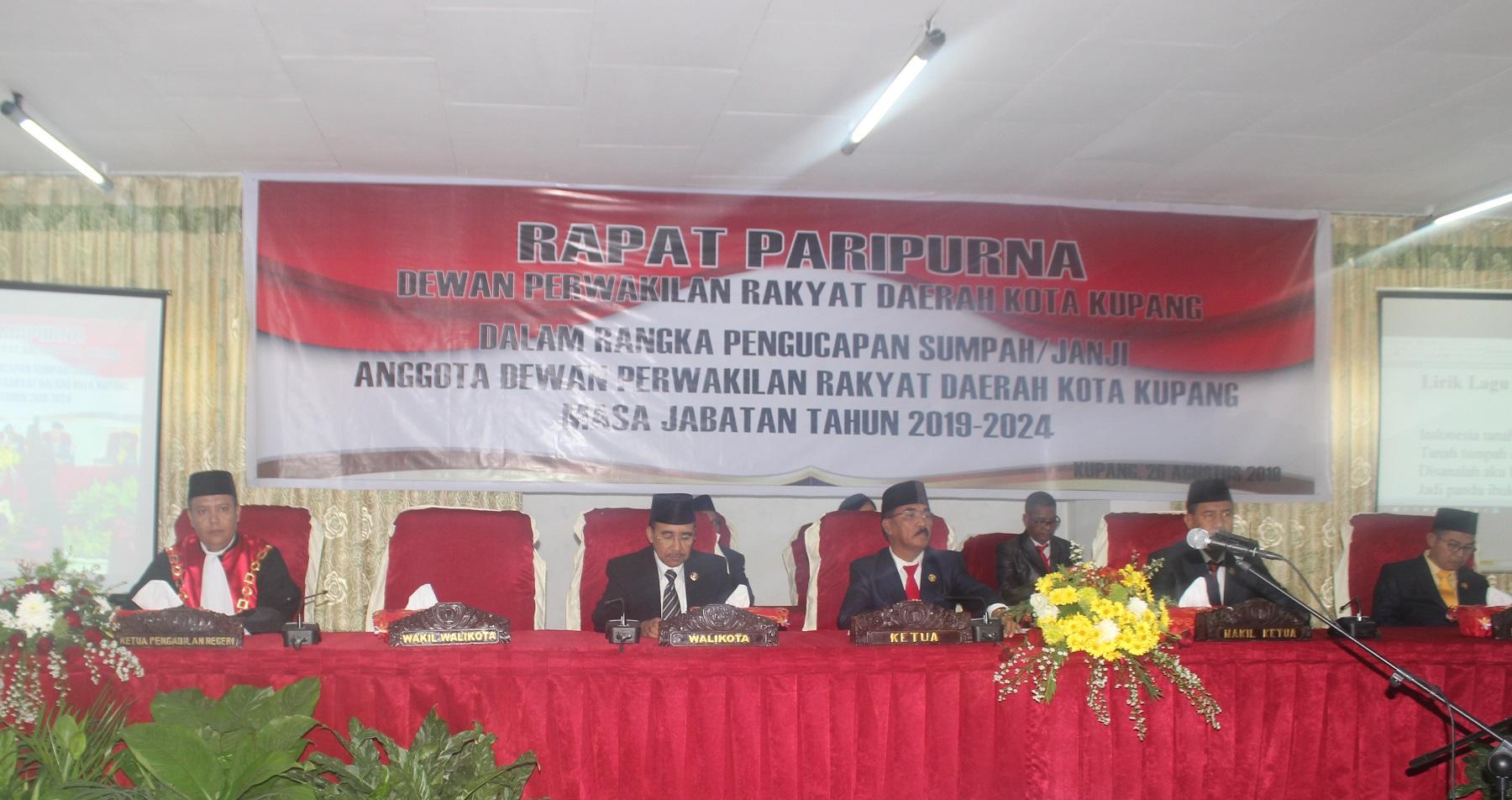 Rapat Paripurna Pengucapan Sumpah/Janji Anggota DPRD Kota Kupang Masa Jabatan Tahun 2019-2024